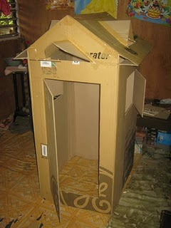 refrigerator box. living in a refrigerator box o