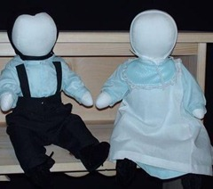 DAR-ADS Amish Doll Set